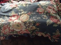 RARE Ralph Lauren Kimberly Full/Queen Duvet Cover with 2 Standard Pillow Shams. Has not been used but is missing the original plastic packaging.