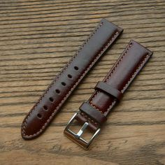 Orologio fatto a mano Strap Brown Color Watch Band mano Brown Leather Strap Watch, Leather Watch Bands, Leather Travel Journal, Minimal Wallet, Best Boyfriend Gifts, Valentino, Handmade Leather Wallet, Sewing Leather, Gifts For Father