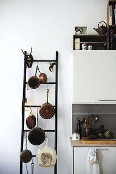 kichen-storage-s-hooks-pots-pans-simply-spaced.jpg (550×824)