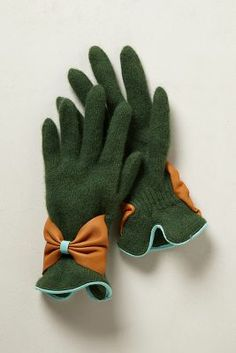 Bow Bracelet Gloves http://rstyle.me/~18qph