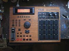 Wooden AKAI MPC2000XL