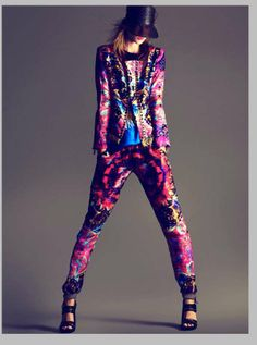 85 Fashionable Floral Designs - From Fabulously Floral Editorials to Boldly Botanical Menswear (TOPLIST)