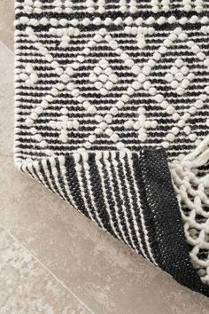 Sovereign Textured Tessellation With Tassels Ivory Rug Plaid Throw Pillows, 8x10 Area Rugs, Farmhouse Interior, Rugs Usa, Sit Back And Relax, Home Reno, Round Rugs, Animal Print Rug, Rug Size