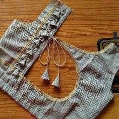 New Saree Blouse Designs, Blouse Designs Catalogue, Simple Blouse Designs, Stylish Blouse Design, Bridal Blouse Designs, Blouse Back Neck Designs, Kurti Neck Designs, Designer Blouse Patterns, Textiles