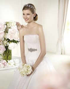 Pronovias P23 | Bride Fashion