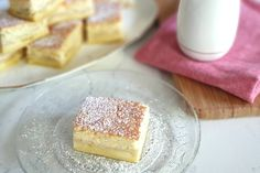 This recipe is a twist on the traditional magic cake. Layer Granny Smith apples at the bottom of your cake tin (or use canned pie apples if you're short on time) and just like magic, three layers appear: cake, apple custard and fudge! Apple Recipes, Sweet Recipes, Baking Recipes, Yummy Recipes, Baking Ideas, Recipies, Magic Cake Recipes, Dessert Recipes, Apple Custard