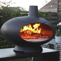Morso Forno four à pizza-pain au bois en fonte Wood Oven, Wood Fired Oven, Wood Fired Pizza, Pizza Oven Outdoor, Outdoor Cooking, Modern Outdoor Pizza Ovens, Outdoor Fire, Outdoor Living, Outdoor Decor
