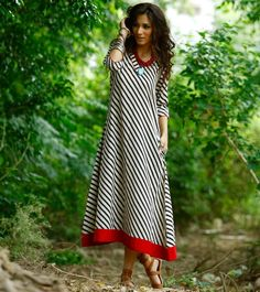 Long Casual Summer Dresses Ideas for Trendy Girls Styling – Designers Outfits Collection Pakistani Dresses, Indian Dresses, Indian Outfits, Kurta Patterns, Dress Patterns, Kurta Designs, Blouse Designs, White A Line Dress, Moda Chic
