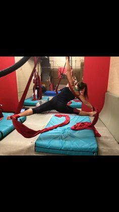 Silks splits
