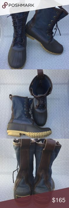 LL Bean signature Blue waxed-Canvas 6 M Gorgeous style LL Bean, Blue waxed-canvas upper and brown rubber fit woman size 7 in good condition. LL Bean Shoes Winter & Rain Boots
