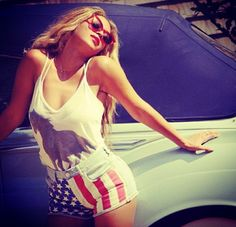 #wholesale #fall #fashion #clothing #ootd #wiwt #shopitrightnow #graphics #patterns #beyonce #bombshell #celebrity
