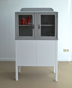 Oude kasten, nieuw design by Theo Herfkens Old cabinets, new design by Theo Herfkens Old Cabinets, News Design, China Cabinet, Lockers, Locker Storage, Furniture, Home Decor, Sparkle, Cabinets