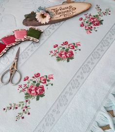 Cross Stitching, Cross Stitch Embroidery, Hand Embroidery, Cross Stitch Patterns, Embroidery Designs, Serger Sewing, Embroidery Fashion, Baby Sewing, Needlepoint