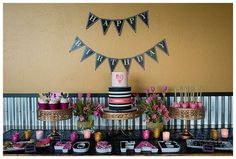 A Glamourous 40th Birthday Party | CatchMyParty.com