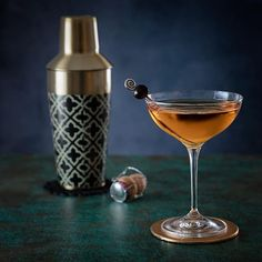 Robbins N.Y.E. Birthday #Cocktail  60ml spiced #rum 10ml butterscotch syrup 15ml apricot liqueur 10ml Velvet Falernum  Rosé champagne or sparkling wine  For a birthday gal the only thing is to shake all with ice. Shake it a tad more. Pour into a decent glass and top up with champagne or, as here, a sparkling rosé from Bordeaux (Calvert). What more could a birthday girl need? Cheese or chocolates perhaps... A garnish of a speared cherry to add that  final flourish might be in order.