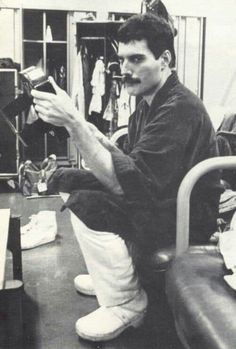 freddie mercury quotes Freddy Mercury he is Beautiful Queen Freddie Mercury, Freddie Mercury Quotes, Dorothy Parker, Queen Photos, Queen Pictures, Brian May, John Deacon, Across The Universe, Freddie Mercury Zitate