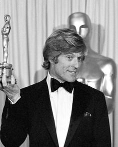 Robert Redford in 1981 with his Oscar for Best Director for Ordinary People. He has never won an Academy Award for acting but he had previously been nominated for the Sting in 1974.