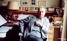Roland Barthes, Man Character, Face Photo, Book Signing, Video News, Read News, Literature, Reading, Writers