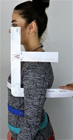 Armhole Depth - Home Atelier Hurth Ruler. Brilliant solution for body measurements. So going on my wishlist! Pattern Drafting Tutorials, Sewing Tutorials, Sewing Patterns, Skirt Patterns, Dress Tutorials, Coat Patterns, Blouse Patterns, Sewing Lessons, Sewing Hacks