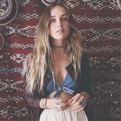 Zella Day ...her beautiful is something of illegal!❤