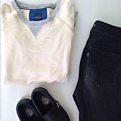 Sperry Sweater Only worn once.  ⭐️10% off 2+ bundle  ⭐️Size  ⭐️Smoke Free Home  ⭐️No stains or flaws Sperry Top-Sider Sweaters