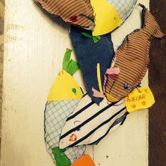 pesci imbottiti con stoffa e carta riciclata by dadabimbi su www.dadasicily.com
