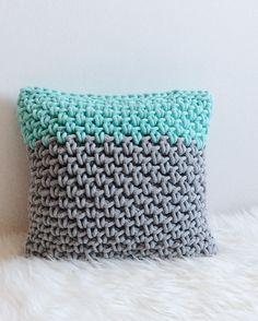 Crochet pillow scandi style by Dwa Guziki | poduszka-sznurek-DwaGuziki