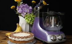Banana Cheesecake with Gooey Peanut Crust