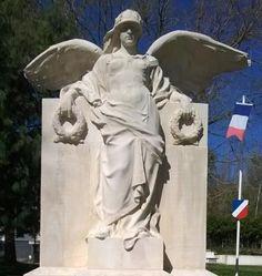 monument aux Morts pour les deux guerres mondiales. Bayeux . Normandie
