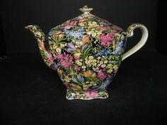 Black crocus teapot