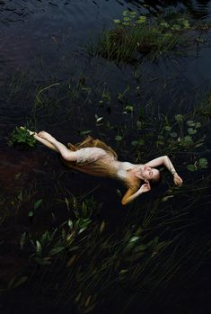 Les Merveilleuses - samrogersphoto: Sam Rogers. Ruby in the lake,...