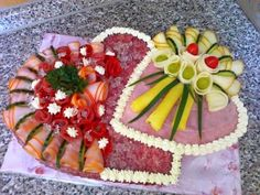 Decorative ways with food Antipasto, Healthy Eating Recipes, Cooking Recipes, Meat Cheese Platters, Coctails Recipes, Bulgarian Recipes, Good Food, Yummy Food, Sandwich Cake