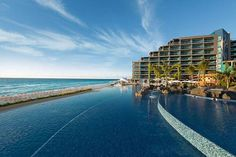 alberca infinita hotel hard rock cancun