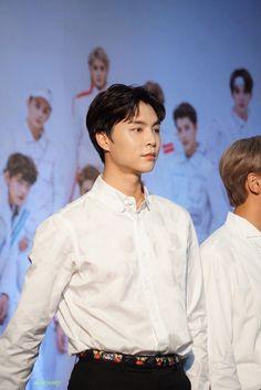 Kpop, Nct 127 Johnny, Dear John, Jung Jaehyun, Marriage Life, My Favorite Music, Pretty Men, Korean Beauty, Taeyong
