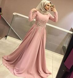 Robe soirée hijab Fashion Style For Teens Party - Fashion Don't Jump! Muslim Prom Dress, Hijab Prom Dress, Hijab Gown, Hijab Evening Dress, Hijab Style Dress, Dresses For Teens, Modest Dresses, Prom Dresses, Hijab Fashion Inspiration