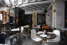 Un bar branché au look vintage & industriel