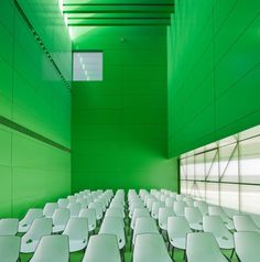 Social Services Center by dosmasuno arquitectos
