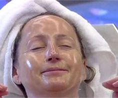 Doctors Can't Believe She Used This To Erase Her Wrinkles