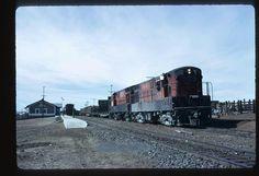 Locomotoras FM h16-44, del Ferrocarril  Chihuahua al Pacífico, en Estación Temòsachic.