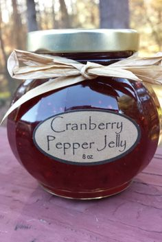 Here is a fantastic twist on pepper jelly for the holiday season! Cranberry Pepper Jelly The very last thing I picked from my garden this year were jalapenos that hung on right until before the fir. Jalapeno Jelly Recipes, Pepper Jelly Recipes, Hot Pepper Jelly, Cranberry Pepper Jelly Recipe, Jalapeno Pepper Jelly, Jam Recipes, Canning Recipes, Christmas Jam, Cranberry Recipes
