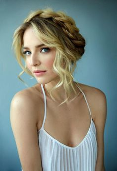 5 Fresh Bridal Hair and Makeup Looks | http://TheKnot.com
