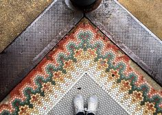 We cornered this traditional mosaic pattern while visiting the historic Shaw Neighborhood in St. Louis. #tileinthewildwednesday #stlouis #shawneighborhood