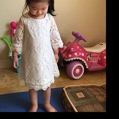 ca29a018589af La robe d anniversaire de Chloé - fleur fille robe en dentelle