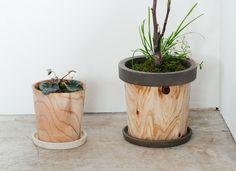 福井県、河和田地区において越前漆器の丸物木地の技術を生かした日用品、その他の小物を製作しています。