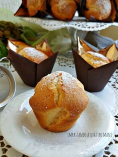 Muffin soffici – Impastando a quattro mani Finger Foods, Cornbread, Mousse, Food To Make, Yogurt, Waffles, Muffins, Cupcakes, Sweets