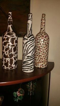 Crafts With Glass Jars, Recycled Glass Bottles, Glass Bottle Crafts, Wine Cork Crafts, Wine Bottle Glasses, Wine Bottle Art, Diy Bottle, Wrapped Wine Bottles, Bottles And Jars