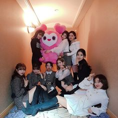 Discovered by Find images and videos about kpop, twice and JYP on We Heart It - the app to get lost in what you love. The Band, Girl Day, My Girl, Cool Girl, Nayeon, South Korean Girls, Korean Girl Groups, Shy Shy Shy, Twice Group
