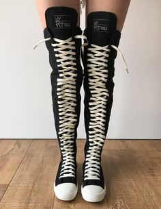 Girl in studded thigh high boots takes it in 3 holes