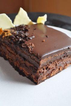 Caprice (chocoladetaart in stap voor stap) - Kuchen Homemade Chocolate, Chocolate Desserts, Cake Recipes, Dessert Recipes, Dessert Blog, Thermomix Desserts, Painted Cakes, Pastry Cake, Sweet Desserts