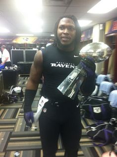 From Twitter - The Ravens send out this pic from Ravens locker room. Alabama LB Courtney Upshaw with Lombardi Trophy. Two National Championships in a row for Courtney in the Super Dome. BCS Title last year and a Super Bowl win this year! Congrats to our Bama guys!